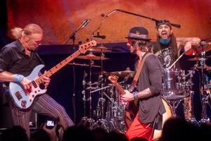 The Winery Dogs 2014